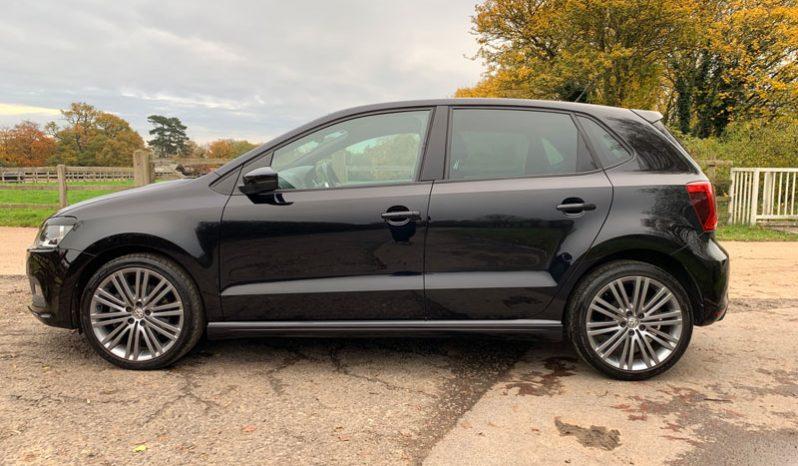 Volkswagen Polo (2015) full