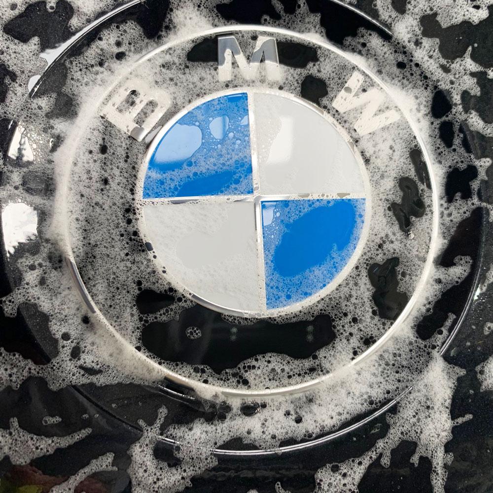 Hot-Hatches-BMW-Shampoo